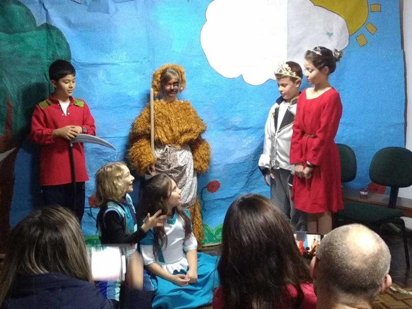 "DSC Teatro ""Alice e Ulisses no País das Maravilhas"""